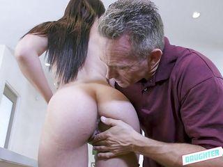 порно муж жена подруга страпон