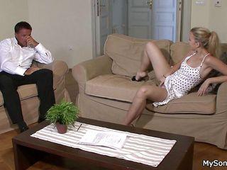 Порно видео ебли зрелых дам