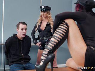 Порно кино брюнетки